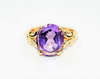 Amethyst 3.93ct 10kt Yellow Gold Solitaire Art Deco Women's Ring