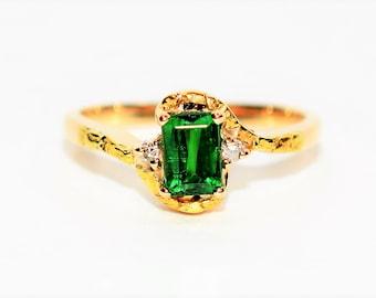 Tsavorite Garnet & Diamond 1.02tcw 14kt Yellow Gold Poured Golden Nugget Women's Ring