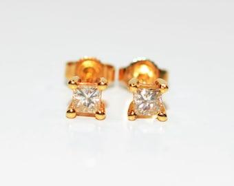 Diamond .52tcw 14kt Yellow Gold Solitaire Stud Women's Earrings
