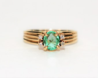 Colombian Emerald & Diamond .54tcw 10kt Yellow Gold Ribbed Women's Ring