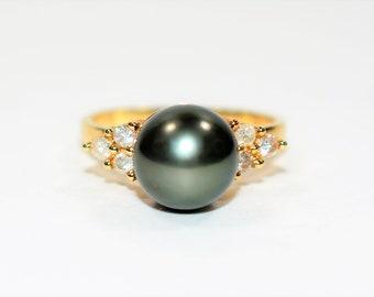 Black Tahitian Pearl & .18tcw Diamond 14kt Yellow Gold Women's Ring