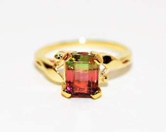 Watermelon Tourmaline 1.70ct 18kt Yellow Gold Solitaire Gemstone Cocktail Ring