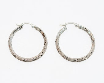 14kt White Gold 28mm Textured Fashion Hoop Statement Women's Earrings