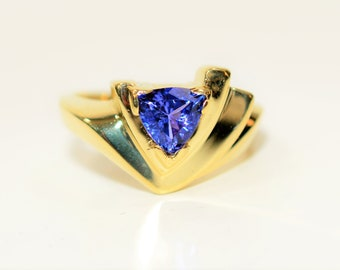 D'Block Tanzanite 1.05ct 14kt Yellow Gold Solitaire Trillion Women's Ring