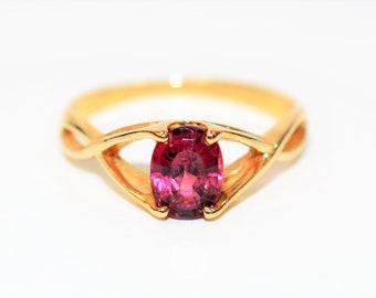 Rubellite Tourmaline 1.13ct 14kt Yellow Gold Solitaire Gemstone Women's Ring