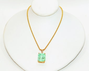 Colombian Emerald 7.48ct 14kt Yellow Gold Large Gemstone Solitaire Pendant Necklace