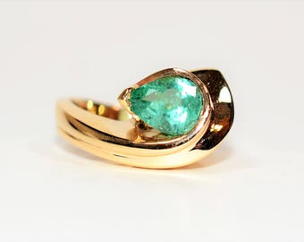 Colombian Emerald 2ct 14kt Yellow Gold Solitaire Statement Women's Ring