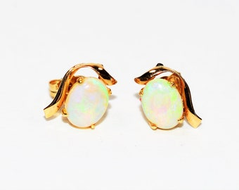 Ethiopian Opal 1.90tcw 14kt Yellow Gold Solitaire Stud Gemstone Women's Earrings