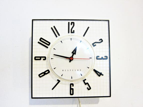 Westclox Wallmate Black and White electric kitchen wall clock 1950s Mod