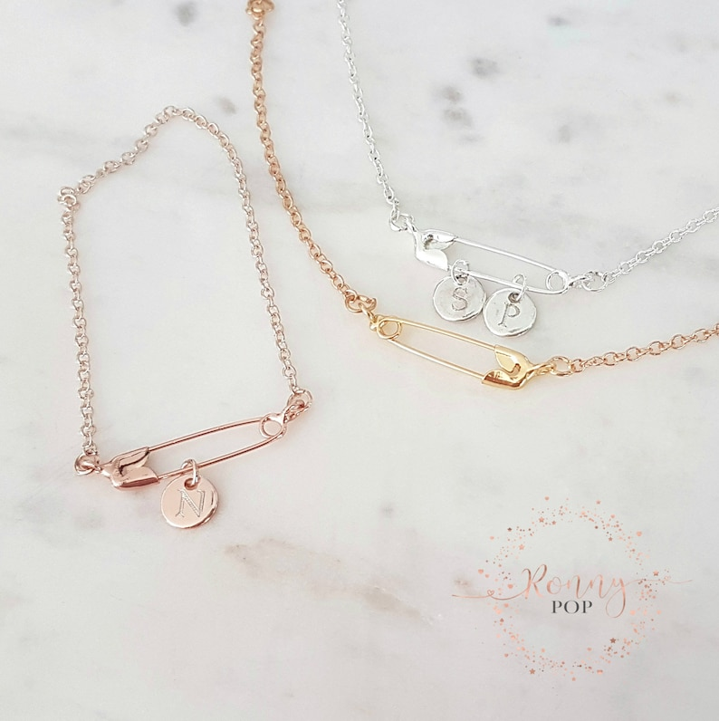 New Mom Gift Safety Pin Necklace Initial Disc Necklace Family Jewelry Birth Gift Engraved Disc Personalized Gift Mother/'s Day Gift Mom Gift