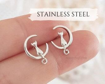 Cat Earrings - Cat on the moon - Moon Earrings - Silver Cat - Studs Earrings - Moon Jewelry - Cat Jewelry - Dainty - Tiny - Friend Gift
