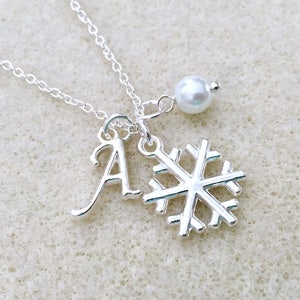 Crystal Snowflake Necklace Winter Wedding Necklace Christmas Gift Necklace Flower Girl Necklace Snowflake Necklace Bridesmaid Gift