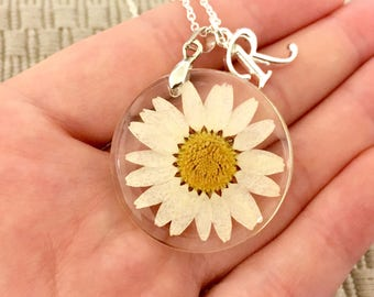 Personalized dried daisy flower necklace flower girl gift real daisy necklace nature resin jewelry daisy jewelry dried flowers personalized