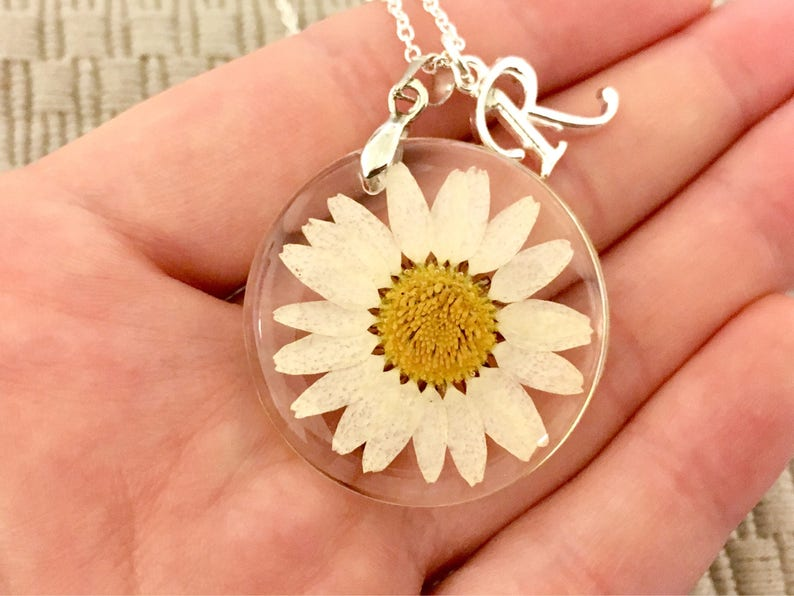 Pressed Flower Jewelry Nature Jewelry Plant Jewelry Nature Lover Gift Daisy Necklace Resin Jewelry