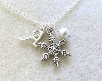 Bridesmaid snowflake necklace with pearl Christmas necklace winter necklace winter bridesmaid gift winter wedding flower girl necklace