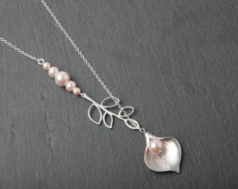 Pink Bridesmaid Necklace, Calla Lily and Pink Pearl Necklace, Pink Wedding Necklace, Bride Necklace, Delicate Necklace, Bridesmaid gift