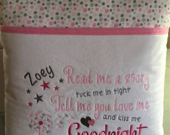 "Reading Pocket Pillow - ""Kiss Me Goodnight"" - Girl"