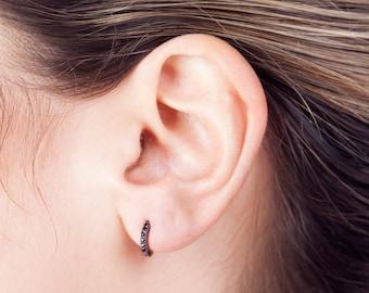 6f6c5115d226 Pendientes de plata negra - aros minimalistas - mini aros - aros circonita  - pendientes mujer - pendientes minimal - aros sencillos