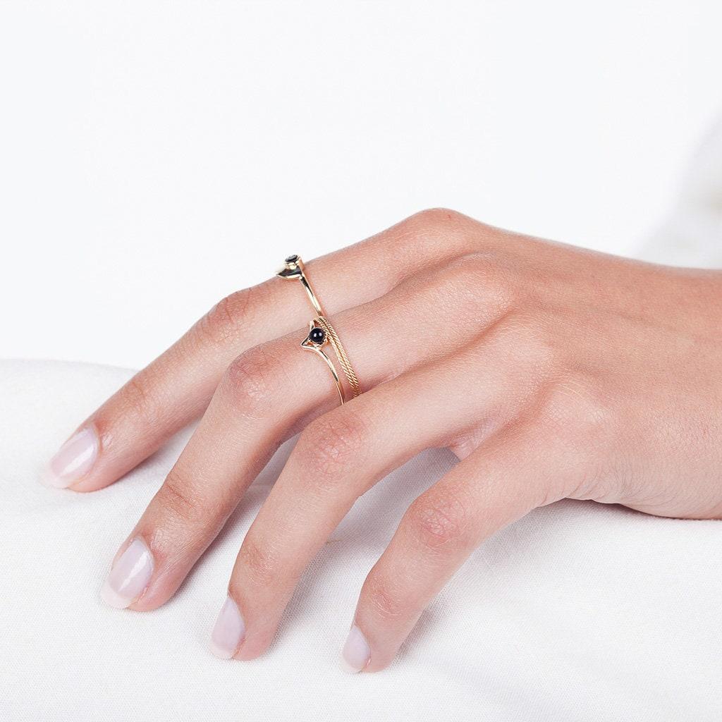 Black stone V ring gold chevron ring dark stone ring | Etsy