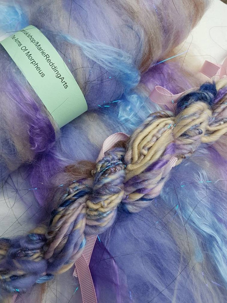 Dracula Lilac Art Batt  11 The Arms Of Morpheus  Purple  Cream  Pale Blue  Sky  Ocean  Water  50g  Spinning Fibre  Felting Fiber