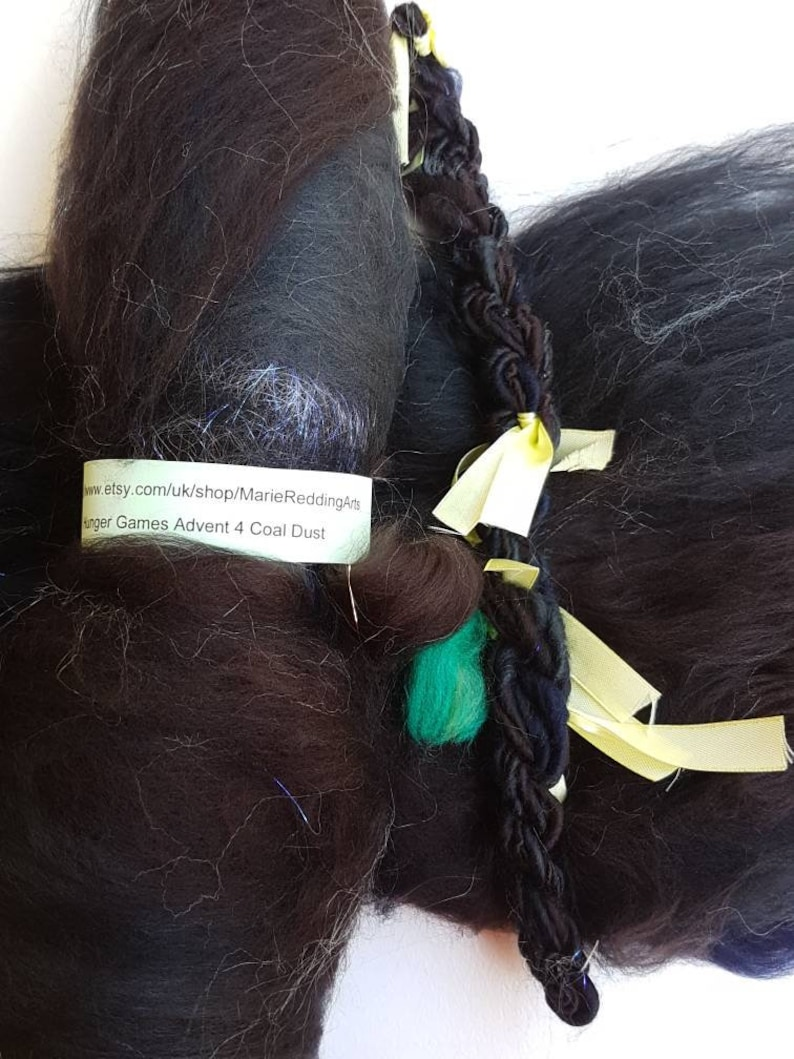 Handspun Black Art Yarn  4 Coal Dust  Silver  Gothic  Midnight  Soot  Night Sky  Jet  Ebony  110g  Luxury Knitting  Crochet