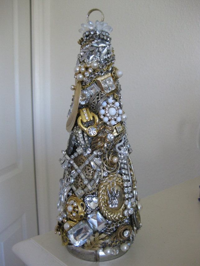 image 0 - Jeweled Christmas Trees