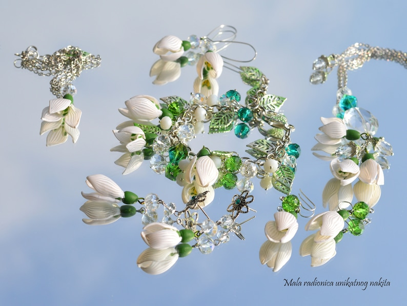 Three snowdrops made with polymer clay,Snowdrops hand made pendant,Green Czech crystal Elegant and   simple pendant with snowdrops,Winter