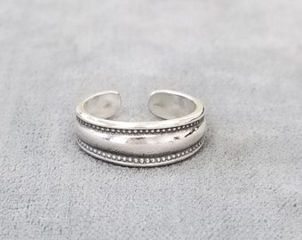 Solid Sterling Silver Toe RingHammered RingAdjustable Silver Toe Ring for WomenSilver JewelleryWomens JewellerySilver Ring