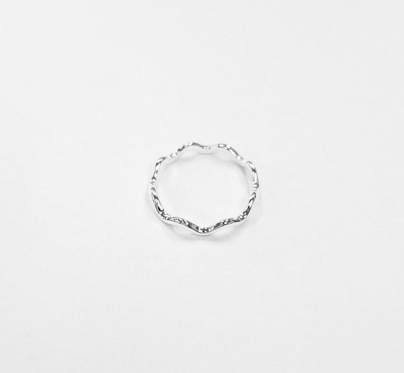 925 Sterling Silver Dainty Wavy plain ring
