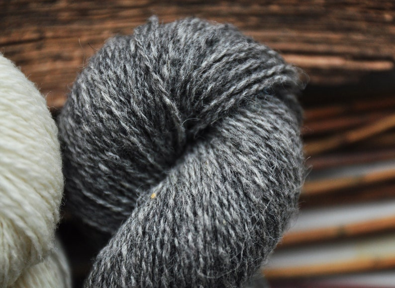 Undyed Fingering Yarn Set In Grey And White Colors