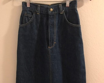 cb0b90dee63f6 80's High Waisted Front Slit Denim Skirt by Oshkosh
