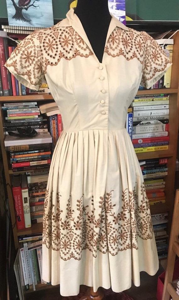 50's/60's Beige Eyelet Day Dress