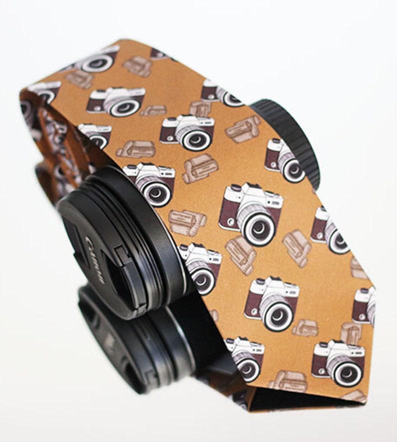 Photographer/'s tie