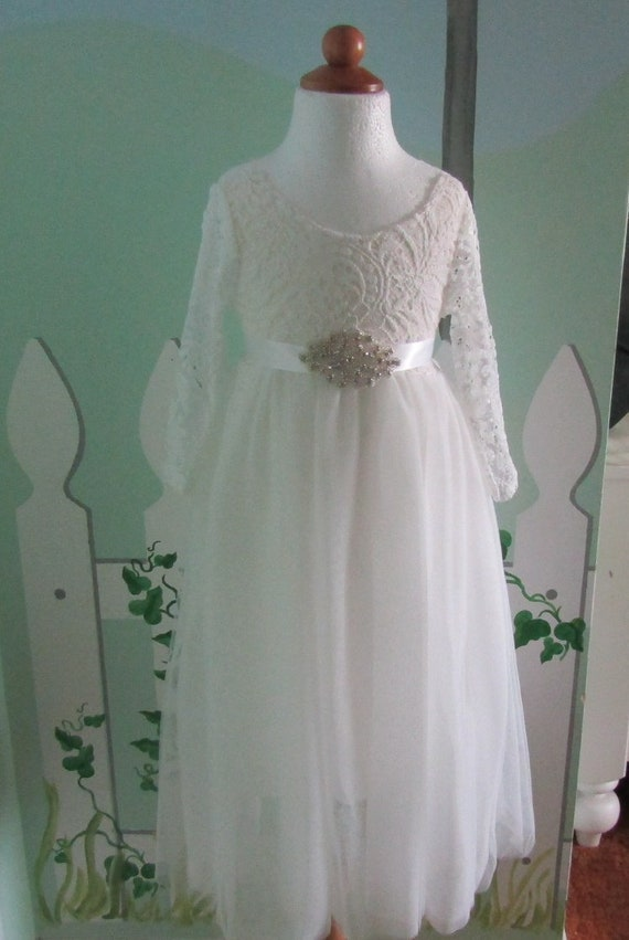 cde4a45e8560 Junior Bridesmaid dress Lace flower girl dress White flower   Etsy