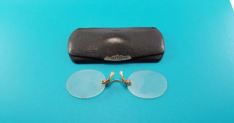 c510ceba520 Antique EYE GLASSES with Eye Glass Case 1900s Vintage