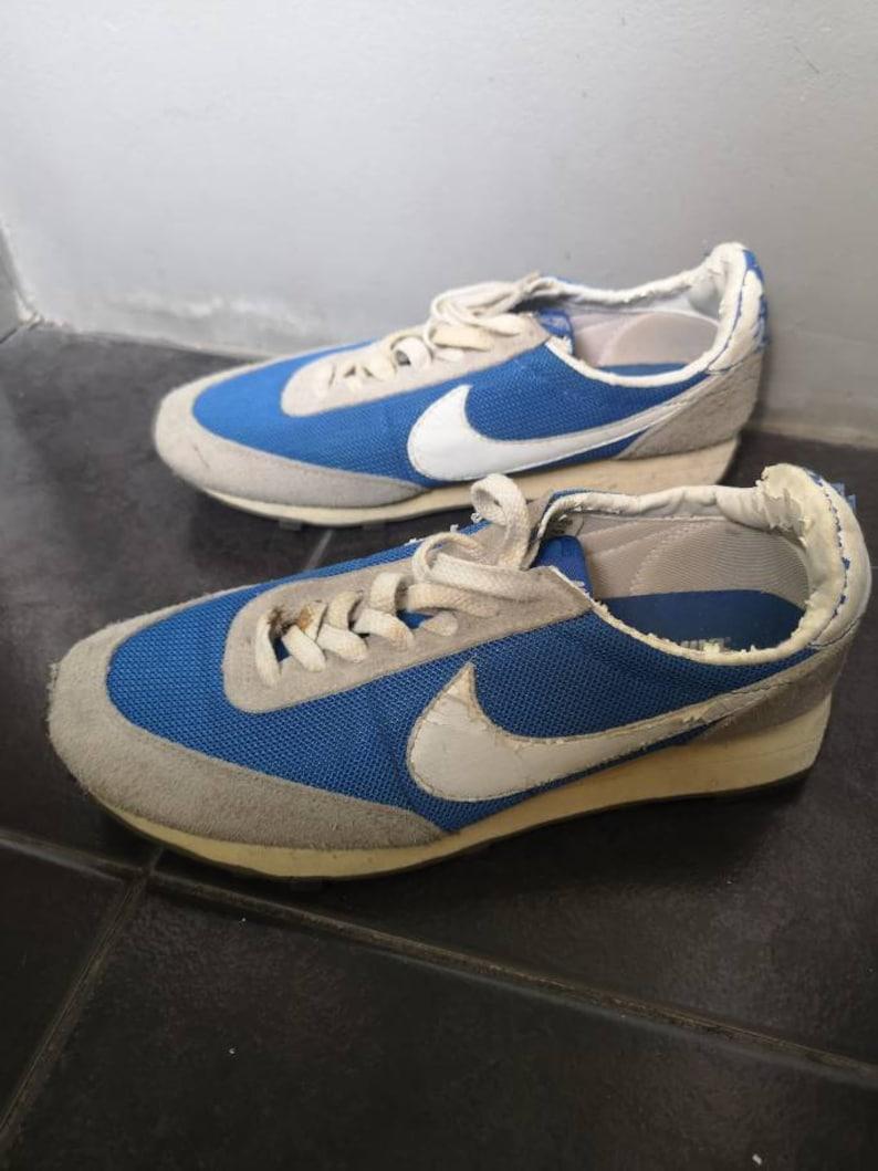 Vintage NIKE LDV DAYBREAK running shoes