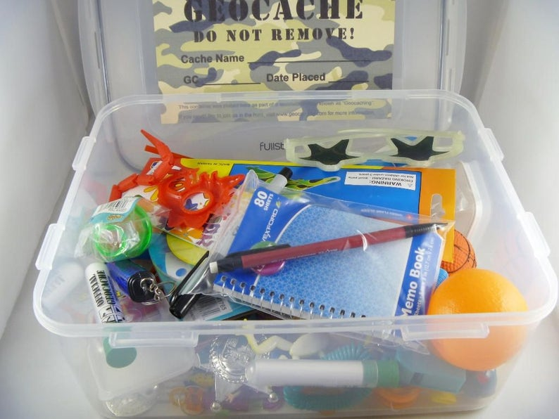 Geocache Tub with Swag