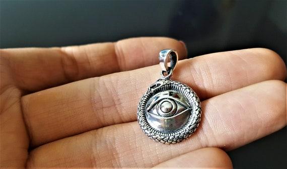 925 New  !! ! Eye  Of  Ra  Pendant 4.5 Grams Sterling Silver