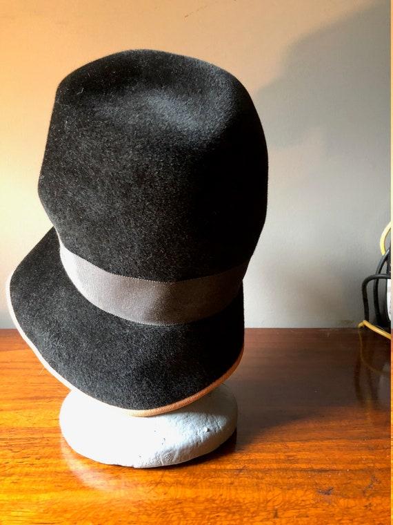 30's 40's Velvet Black Hat - image 4
