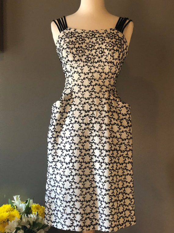 Stunning 1950's Wiggle Dress with Pockets XS