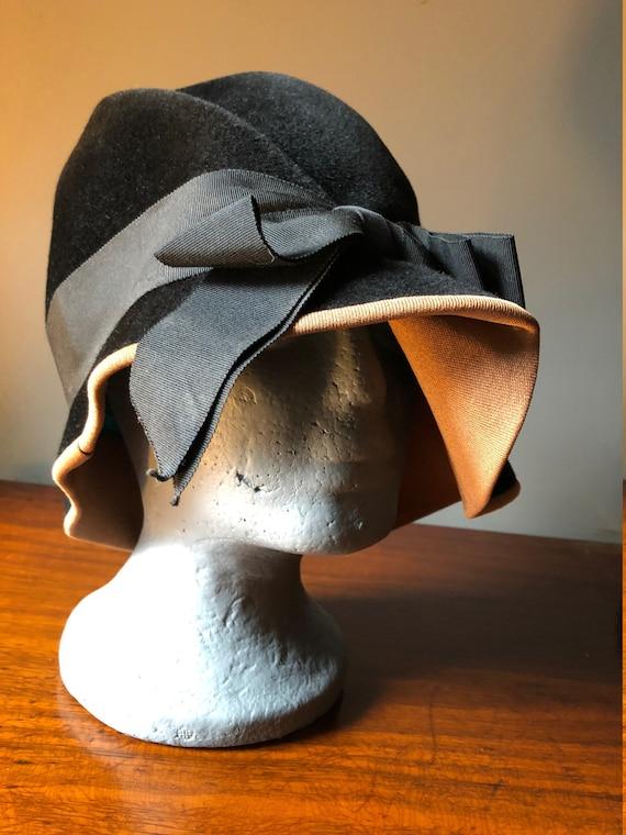 30's 40's Velvet Black Hat - image 6