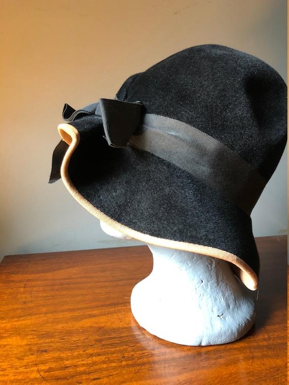 30's 40's Velvet Black Hat - image 3