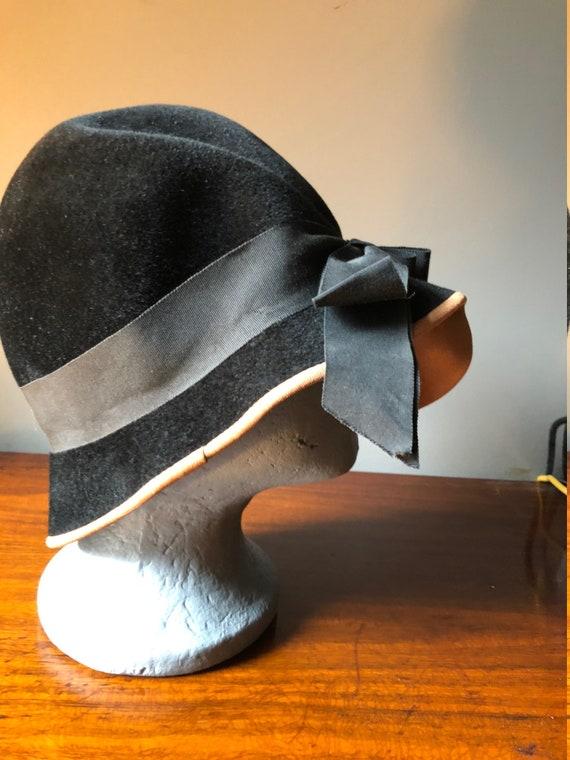 30's 40's Velvet Black Hat - image 5