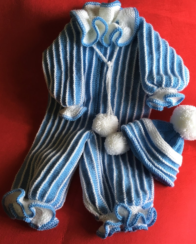 Baby hand knitted outfit 9-12 months