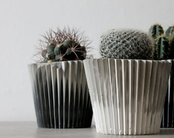 Grey and White Marbled Concrete Plant Pot