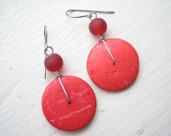 Red disc earrings, coconut shell earrings, red coco discs, red coconut shell, red tribal earrings, red Boho earrings, bright red saucers