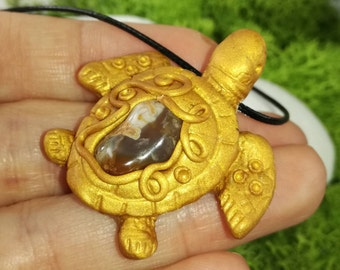 Turtle pendant with agate crystal, Crystal necklace, Animal pendant, Beach jewelry, Agate crystal, Turtle pendant