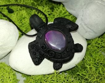 Turtle pendant, Agate crystal Turtle pendant, Crystal necklace, Beach pendant, Animal necklace, Agate Crystal, Beach, Sea
