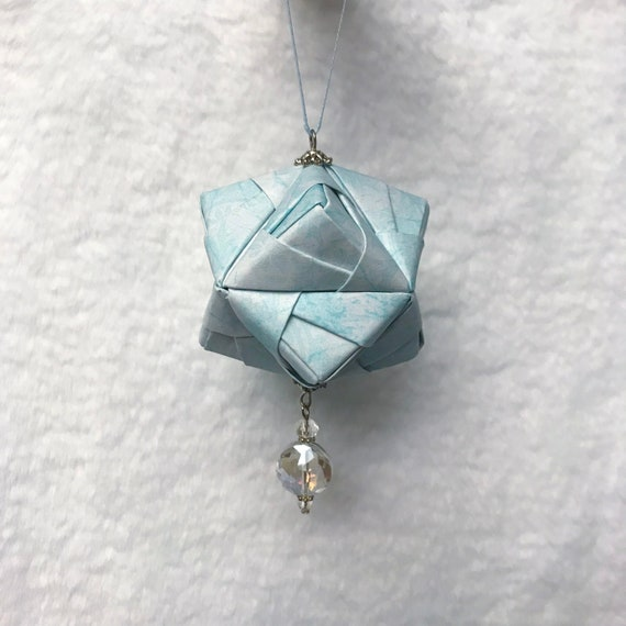 Christmas Origami - Simple ornament - YouTube | 570x570