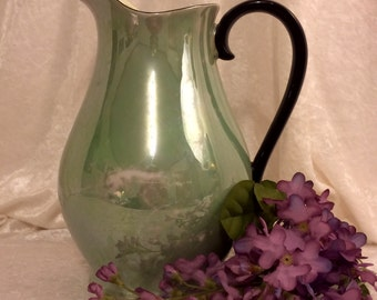 Green pearlescent Royal Bavarian pitcher